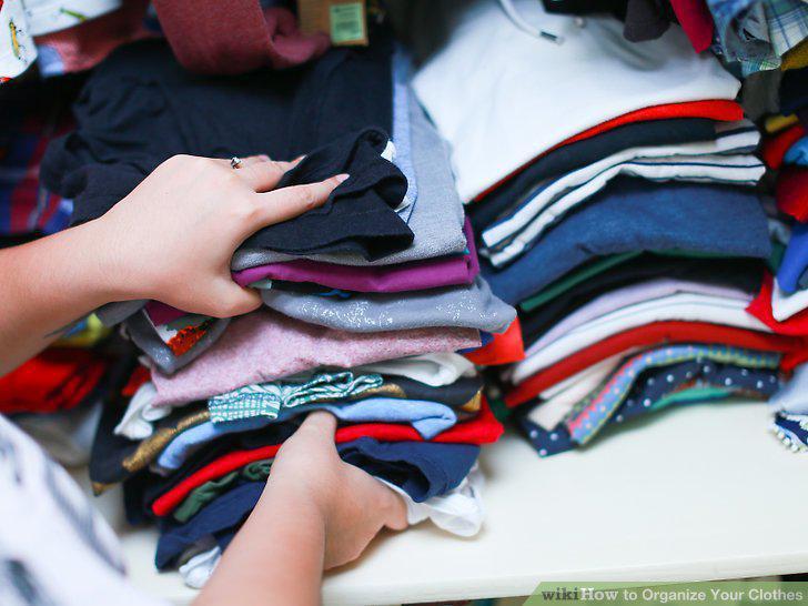 چیدن مرتب لباس ها در کمد