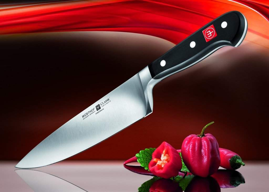 چاقوی سرآشپز یکی از انواع چاقوهای آشپزخانه