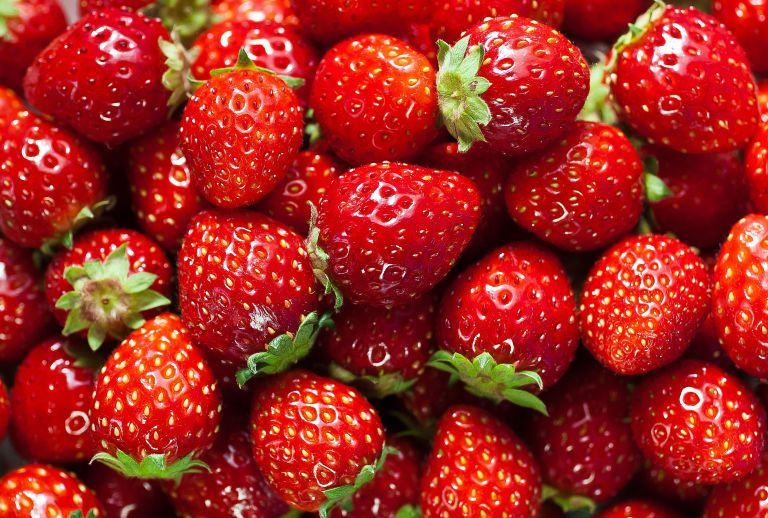 طرز صحیح شستن توت فرنگی - بهترین روش شستن توت فرنگی